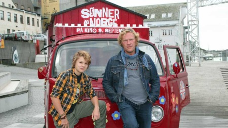 Åsmund Høeg og Sven Nordin åpnet filmfestivalen med filmen «Sønner av Norge», i Haugesund på søndag. (Foto: Elisabeth Hage)