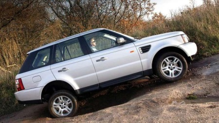 Terrengegenskapene på dagens Range Rover Sport overgår det meste du kan velge blant i SUV-segmentet. Etter åtte år takker modellen nå for seg.
