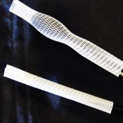 BRUSH GUARD: The Brush Guard er en elastisk tube som beskytter   sminkebørstene dine (kr 29,50, Makeup Mekka).