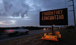 Har ikke noe valg: Innbyggerne i Dare County må ut av byen. (Foto: Scott Olson/Getty Images/AFP)