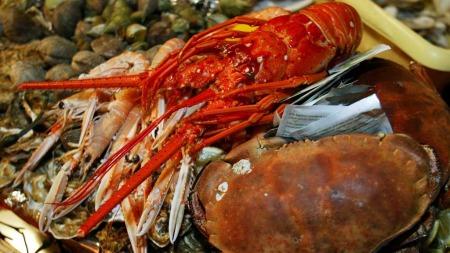 Vin til hummer? Eller krabbe. Se Christer Berens tips under. (Foto: Illustrasjionsfoto)