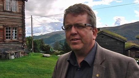 TROR DET VIL BEDRE LIVSKVALITET: Ordføreren i Vågå, Rune Øygard, tror teknologien vil bedre livskvaliteten til mange ved at de får bo hjemme.  (Foto: TV 2)
