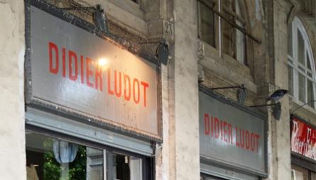 CREME DE LA CREME: Midt i sentrum har Didier Ludot etablert seg med flere av Paris' beste vintagebutikker. Prisnivået er høyt, men det er kvaliteten også.
