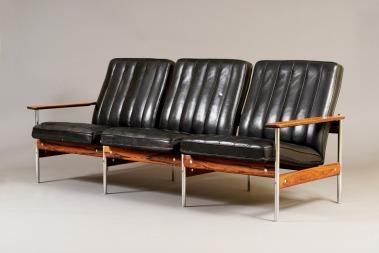 Sven Ivar Dysthes sofa fra serien 1001 dukker opp i en scene i den populære HBO-serien «Mad Men».  (Foto: Utopia Retro Modern)
