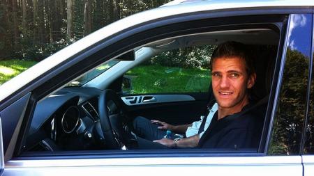 Vegard på plass bak rattet i nye Mercedes ML