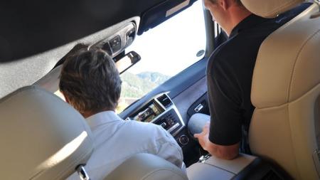 Det er verre å sitte på i offroad-løypa enn å kjøre selv.