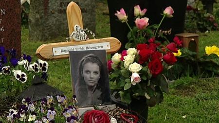 GRAVEN: Ragnhild Embla Helsengreen sin grav i Bergen.  (Foto: TV 2 )