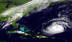 Katia er på vei mot USA østkyst tirsdag. (Foto: NASA)