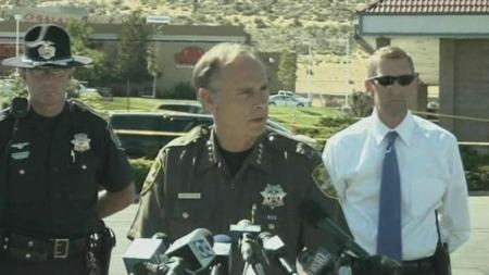 SHERIFF I BYEN: Kenny Furlong har fått tips fra drapsmannen familie om at han hadde psykiske problemer. Dette skal de nå se nærmere på. (Foto: APTN)