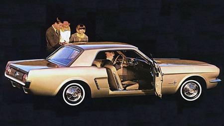 Hardtopen er den minst populære karosserivarianten. De tidlige er klassiske og også ettertraktede, om enn ikke prisledende, så en slik kan du godt kjøpe. Men pass deg for hardtop-utgaven av de siste årsmodellene, de er tregsolgte. Foto fra 1964-brosjyren.