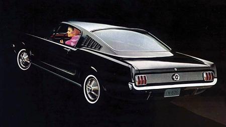 Den absolutt mest populære varianten av første generasjon Mustang er fastbacken, eller