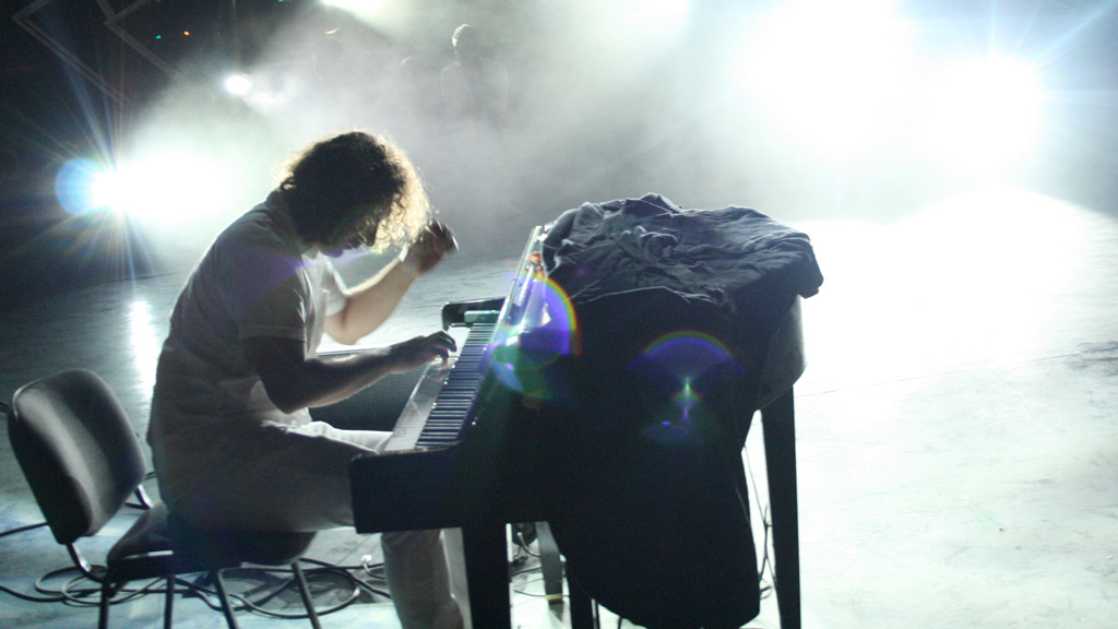 PIANIST: Bogdan Ota holdt stor konsert i Romania lørdag kveld. (Foto: Yngve Henriksen)