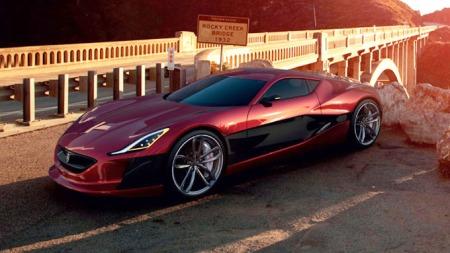 Det er ikke noe å si på linjene til konseptbilden Rimac Concept One. Under panser og hekk skjuler det seg dessuten ikke mindre enn fire motorer, en til hvert hjul. Tilsammen utvikler disse over 1000 hk.