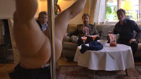 IKKE DRØYT: Jon Øigarden synes ikke scenene i den nye TVNorge serien «Helt Perfekt» er for drøye, til tross for både sex og nakenhet.