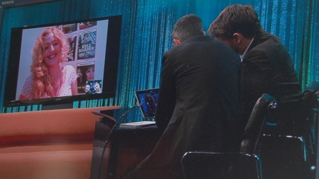 Danske Julie Agnete Vang møtte Senkveld på Skype. (Foto: Tv 2)