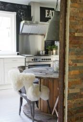 Dette kjøkkenet fikk Anne Marie se før hun ble drept.  (Foto: Amalie Fagerli)