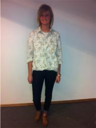 BLOMSTRETE SKJORTE: Christina Ween går for cowgirl-stilen i høst.