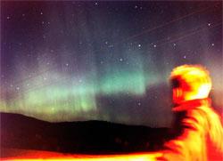 Solforsker Pål Brekke kjørte inn i Sørkedalen for å se nordlyset mandag kveld. (Foto: Pål Brekke)