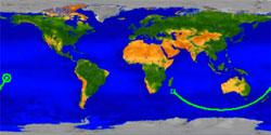 Den grønne streken viser banen til UARS fra klokken 3.30 GMT (firkanten) til klokken 4 GMT (sirkelen) da den kom inn i atmosfæren. (Foto: NASA)