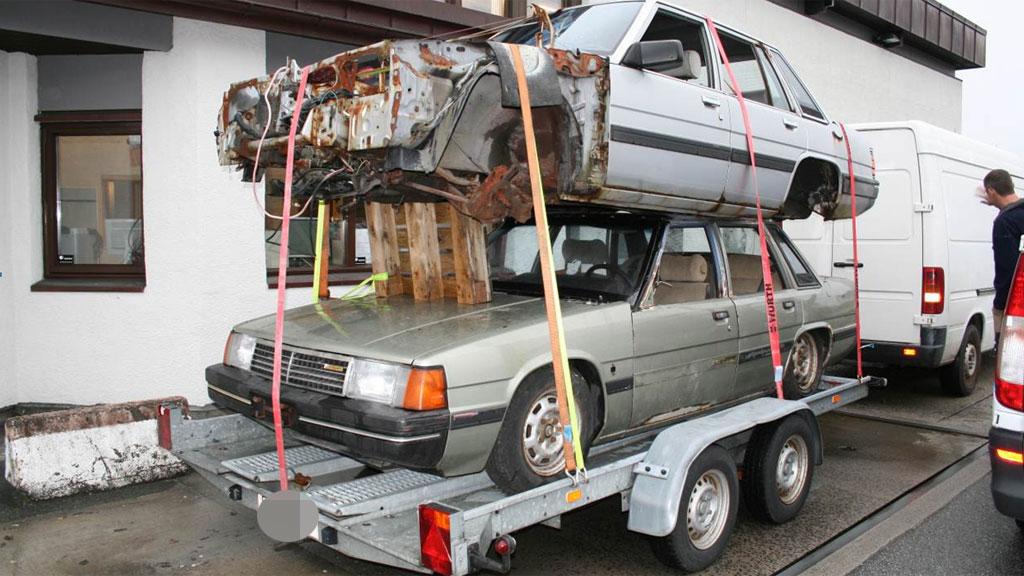 bil på bil (Foto: Statens vegvesen)