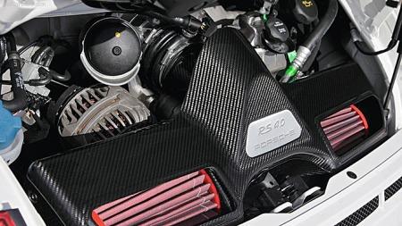 Med NOx som ny avgiftskomponent var meningen å redusere effekt-komponentens betydning. Den reduseres, men mest på de lave trinnene - ergo blir en bil med høy effekt reelt sett enda dyrere i forhold til en slappere bil med samme utslippstall. Og morsomme biler som denne 2012 Porsche 911 GT3 RS 4,0 blir selvsagt heller ikke denne gangen budsjettvinnere...