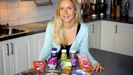 TESTET MELLOMMÅLTIDER: TV 2 Sportys kostholdsekspert, Trine Thorkildsen, har testet hvert enkelt produkt. (Foto: Frode Sunde/TV 2/)