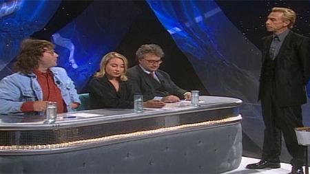 POPEKSPERT: Arild Rønsen (til v.) sammen med Grethe Svendsen, Trond Myhre og programleder Jan Teigen i Stjerner i sikte. (Foto: TV 2)