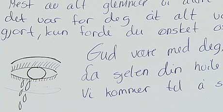Elevene på Hellerud videregående skole laget minnebok om læreren sin.