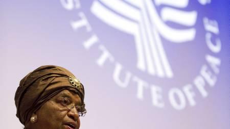 FØRSTE KVINNE: Ellen Johnson-Sirleaf ble i 2006 tatt i ed som Afrikas første kvinnelige president. Hun styrer fortsatt i Liberia. (Foto: JIM WATSON/Afp)