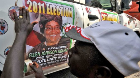 Ellen Johnson-Sirleaf valgplakat (Foto: Reuters)