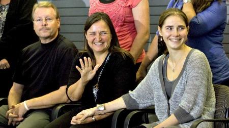 Kurt Knox og Edda Knox og Amanda Knox (Foto: UPI)