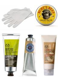 SILKEMYKE PUSELABBER: Fra toppen t.v: Moisture Gloves fra The Body Shop pakker inn fuktigheten på hendene. Utført i økologisk bomull (kr 89). Hand Salve fra Burt's Bees er 100% naturlig. Håndsalven inneholder planteoljer, uter og bivoks som gir næring til røffe og tørre hender (veil. pris kr 169). Hemp Hand Protector fra The Body Shop inneholder hamp og viktige fettsyrer som er med på å pleie tørre hender og å gjenopprette den naturlige fuktighetsbarrieren (kr 139). Shea Butter Hand Cream fra L'Occitane inneholder sheasmør, honning og mandelekstrakt som nærer og gjenoppbygger huden (kr 199). Almond Oil Daily Hand & Nail Cream fra The Body Shop inneholder mandelolje som er rik på essensielle fettsyrer som bidrar til å opprettholde hudens fuktighetsbalanse (kr 129).