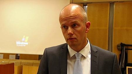 VIL OFFENTLIGJØRE RAPPORTEN: Statsadvokat Svein Holden mener   vurderingene til rettspyskiaterne trenger en forklaring. (Foto: TV 2)