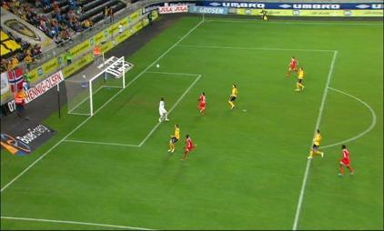 Kim Ojo scorer mot Start. (Foto: TV 2)