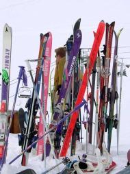 Nå kan du gjøre kupp på både alpin- og langrennsutstyr.  (Foto: illustrasjonsfoto)