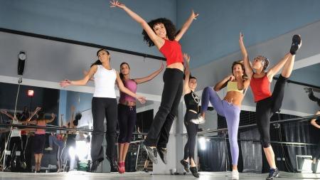 DANS DEG I FORM: Zumba er en dansebasert treningsform som gir deg resultater mens du har det gøy!
