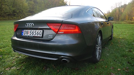 Audi_A7_skraabakfra (Foto: Marius Christensen)