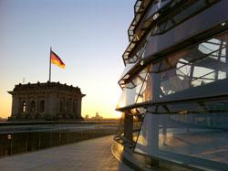 Sist helg var det knallvær i Berlin, neste helg blir like flott hos oss. Bildet er tatt på taket av Riksdagsbygningen. (Foto: Ronald Toppe)