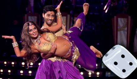 SPOTON: Noman Mubashir og Nadya Khamitskaya kobler seg rett   på Bollywood-temaet.
