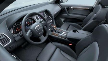 Det er slett ikke utrivelig bak rattet i en Audi Q7. På typisk Audi-maner er