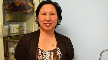 PROFESJONELL DAME: Sarrah Chau gjorde sitt beste for at jeg   skulle ha det så behagelig som mulig i en slik situasjon.