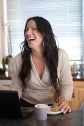 Cecilie Theiste-Bratli blogger om bakverk uten sukker og mel.