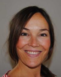 Marianne Inez Lien er sosiolog og forsker på kjønn og helse ved Universitetet i Agder. Hun bekrefter at mann og kvinne kan ha svært forskjellige omsorgs- og informasjonsbehov når sykdom rammer.    (Foto: Privat)