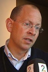 INNVILGET SØKNADEN: Politiinspektør Bjørn Vandvik sier politiet ikke kunne gjort noe annerledes i forbindelse med Breiviks våpensøknad.  (Foto: Goran Jorganovich / TV 2)