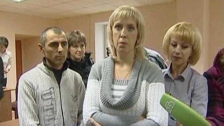 ERSTATNING: Familiane til Anna og Irina er tilkjent i overkant av ein halv million i erstatning etter at jentene vart blanda saman då dei vart fødd. (Foto: APTN)