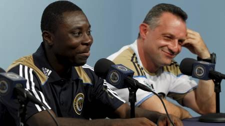 Freddy Adu og Piotr Nowak (Foto: Matt Rourke/Ap)