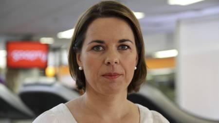 ANBEFALER LAVKARBO: Fysiolog Marianne Lunde forteller at du kan oppnå et mer stabilt blodsukker ved å kutte ned på hvitt mel og sukker. (Foto: Nina Kausland/TV 2/)