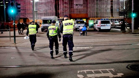 FOR LITE POLITI: Selvom politiet har ekstra bemanning i helgene,   mener Terje Bratland at det burde vært enda flere (Foto: Scanpix)