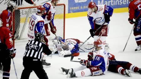Vålerenga er på hæla i semifinalen, og vi tror Lørenskog blir finaleklare i kveld (Foto: Lien, Kyrre/Scanpix)