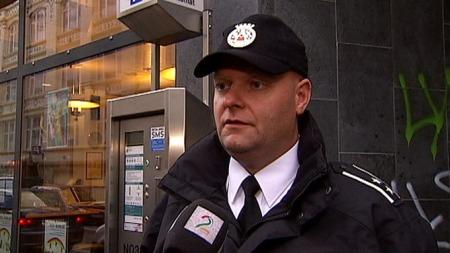 VIL HJELPE: Leder for trafikkbetjentene i Oslo, Espen Johannesen, sier at de er positive til å hjelpe, men spente på hva som egentlig ønskes av dem. (Foto: TV 2)